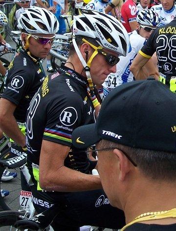 On baLance Armstrong dans Sports / Sportifs tour-de-france-longjumeau-25.07.2010-731