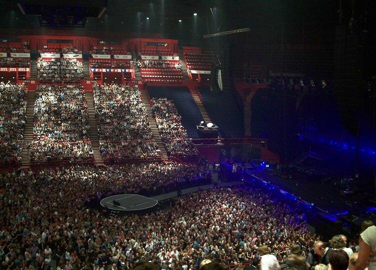 Johnny Hallyday en live : très bon performer mais pas le meilleur dans Génie / Icône 100_6241