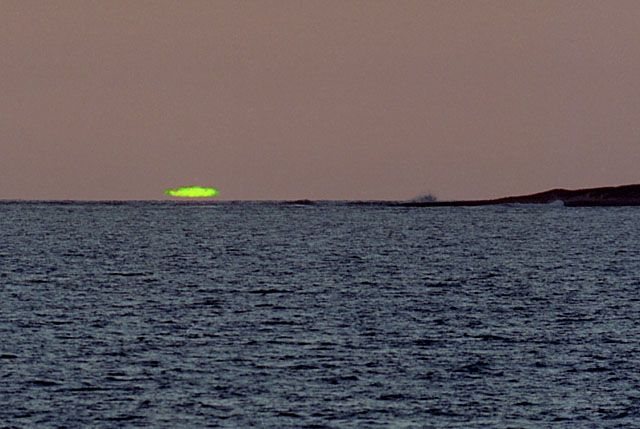 800px-GreenFlash (2)